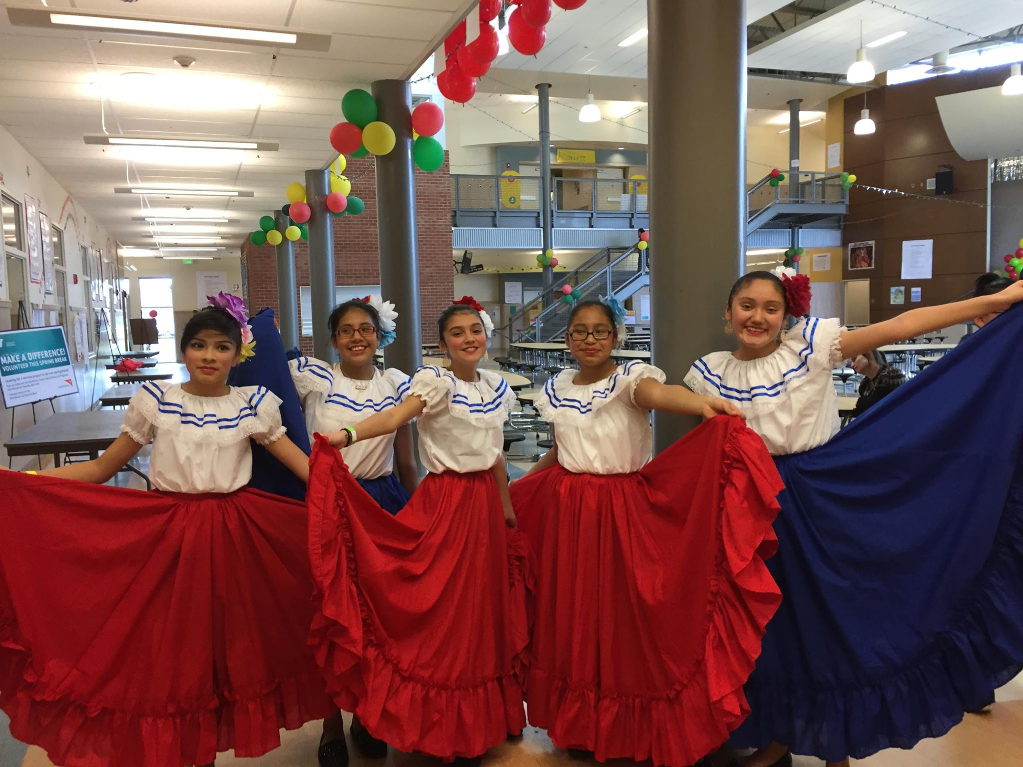 Ballet Folklórico and World Drumming at Northwest Folklife
