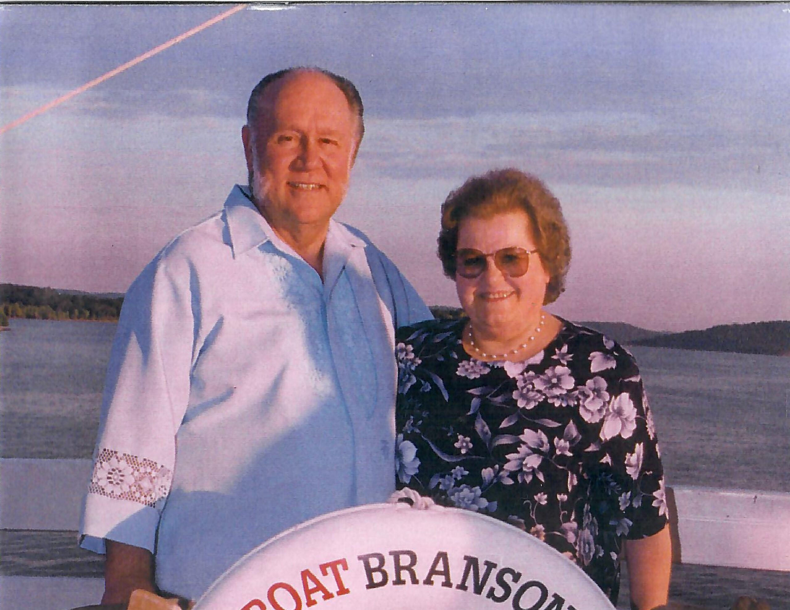 Dr. Jerry and Elaine Ramsey posing in Branson Missouri